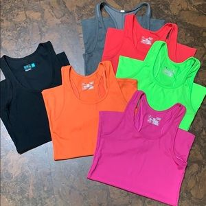 6 Under Armour Heat Gear Fitted tanks